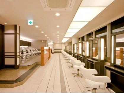 資生堂ビューティーサロン 神戸大丸店(神戸・元町・三宮・灘区/美容室)の写真