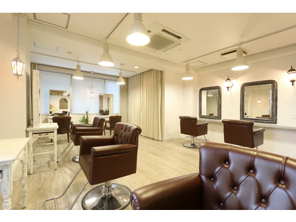TEUTA LUXBE 【テウタ ラックスビー】 西梅田店 (梅田・京橋/美容室)の写真