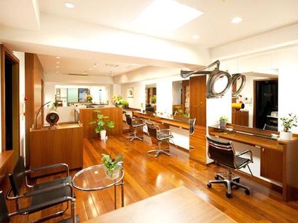 Koinonia Hair Studio 【コイノニア ヘアー スタジオ】(銀座・東京丸の内/美容室)の写真